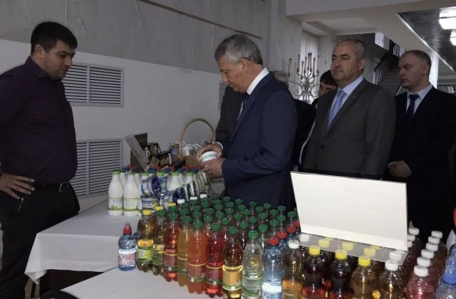 Вячеслав Битаров чествовал предпринимателей республики