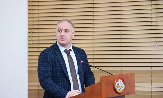 О ходе реализации национального проекта «Малое и среднее предпринимательство и поддержка индивидуальной предпринимательской инициативы» рассказал Министр экономического развития РСО-Алания Казбек Томаев.