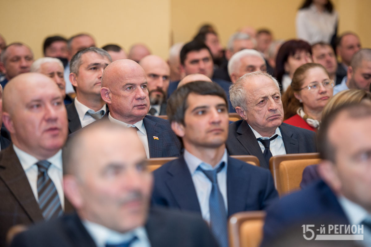 Вячеслав Битаров выступил с ежегодным докладом-посланием