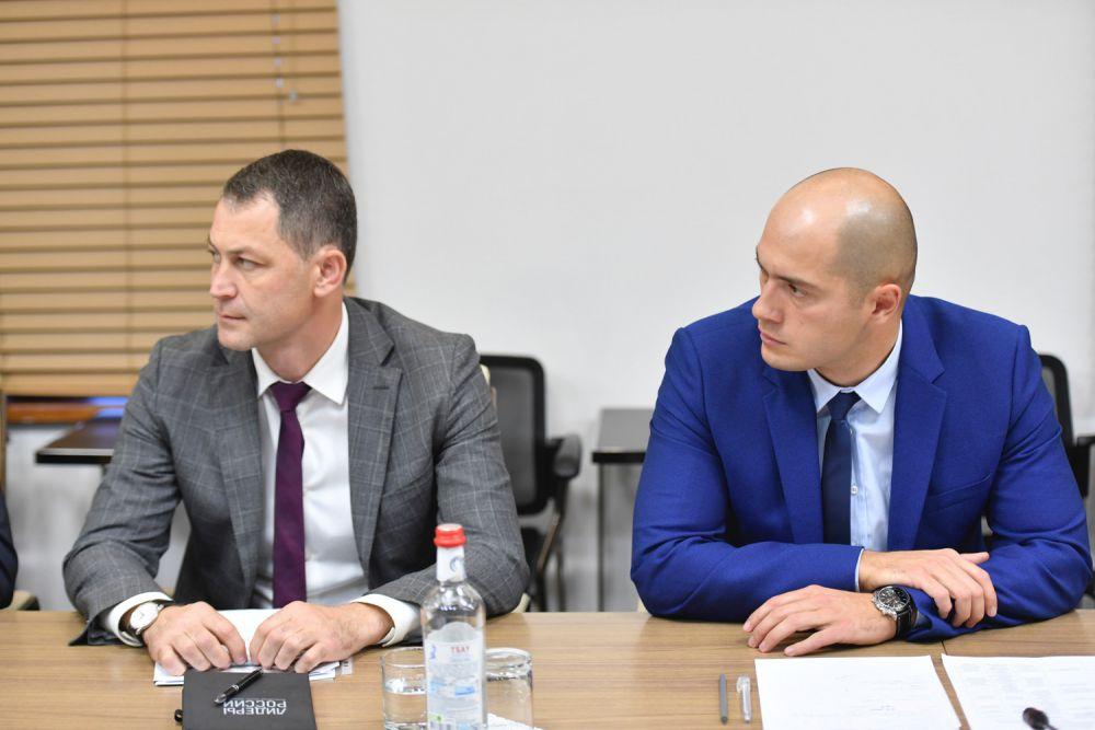 Под председательством Главы республики Вячеслава Битарова состоялось совещание с руководителями организаций инфраструктуры поддержки предпринимательства