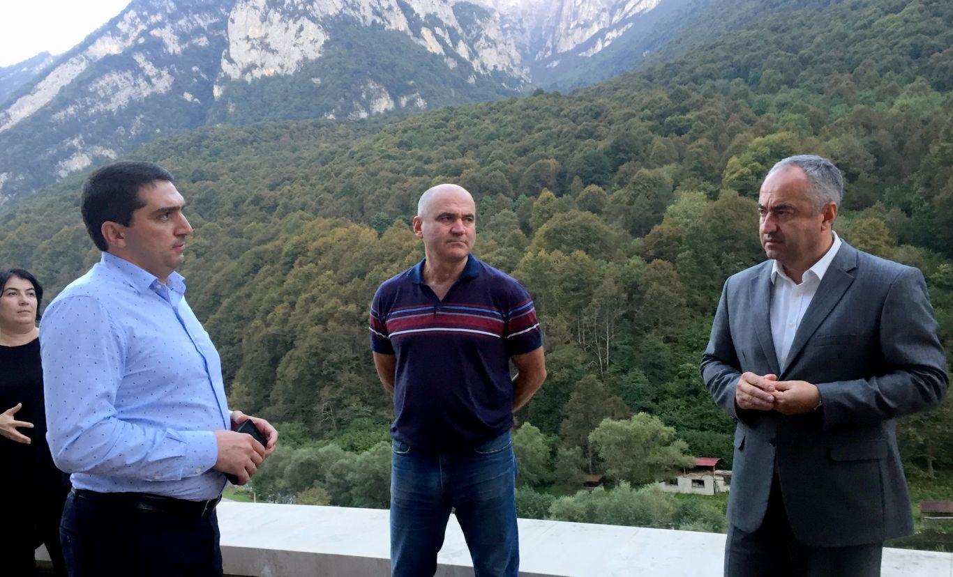Таймураз Тускаев проинспектировал строительство социально значимых объектов, реализуемых на территории Северной Осетии в рамках федеральных целевых программ
