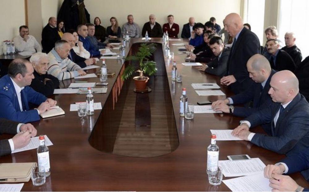 29 января 2019 г. состоялось заседание Совета по предпринимательству при Главе муниципального образования Алагирский район — Бутаеве Арсене Ахсарбековиче.